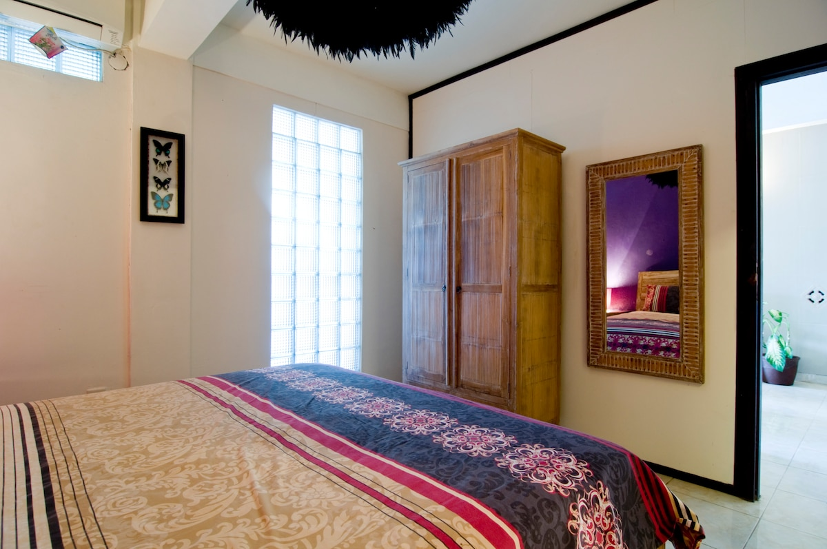 Air Conditioned Bedroom with Queen Size Bed, is a large sized room and very cosy.