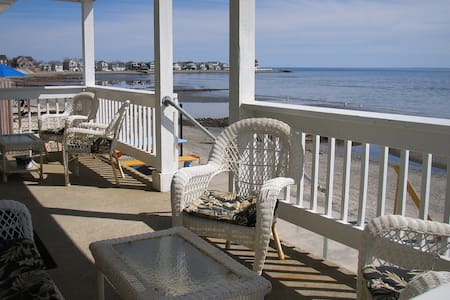 Direct waterfront beach house - Milford - House