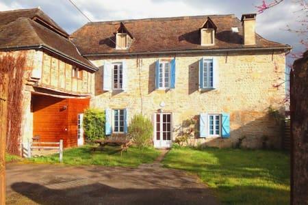 Ancienne ferme béarnaise - Dům