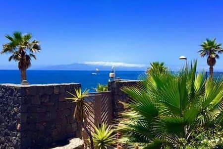 Exclusive Room Jacuzzi el Duque - Costa Adeje, Canarias, ES - Haus