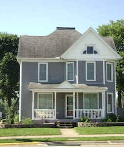 Lisa's Place Guest House and Short-term Rental - West Liberty