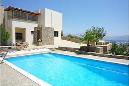 Luxury Villa in Agios Nikolaos - Villa