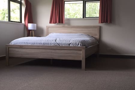 Spacious Studio room - Todds Valley - Casa