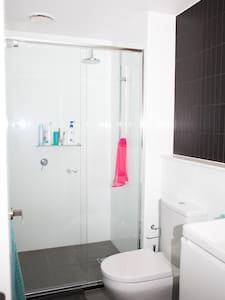 Room in a modern apartment near Fitzroy & CBD - Collingwood - Apartment