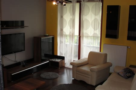 Modern flat, 30 min to Old Town - Apartment