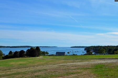 Classic Maine cottage with sea view - Harpswell - House