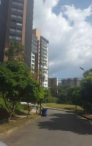 Hermoso Apartamento Nuevo y Amoblado - Wohnung