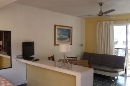 Apartment exactly on 5th ave. 300m mamitas beach - Playa del Carmen - Apartment