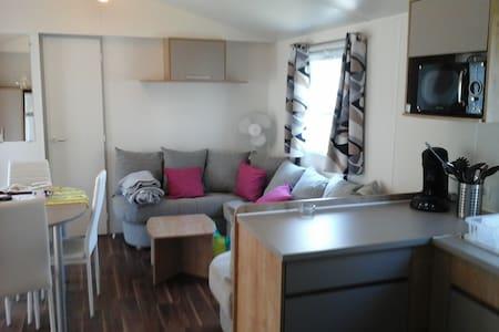Mobilhome  luxe 2 salles de bain, 2 wc,  terrasse - Bungalow
