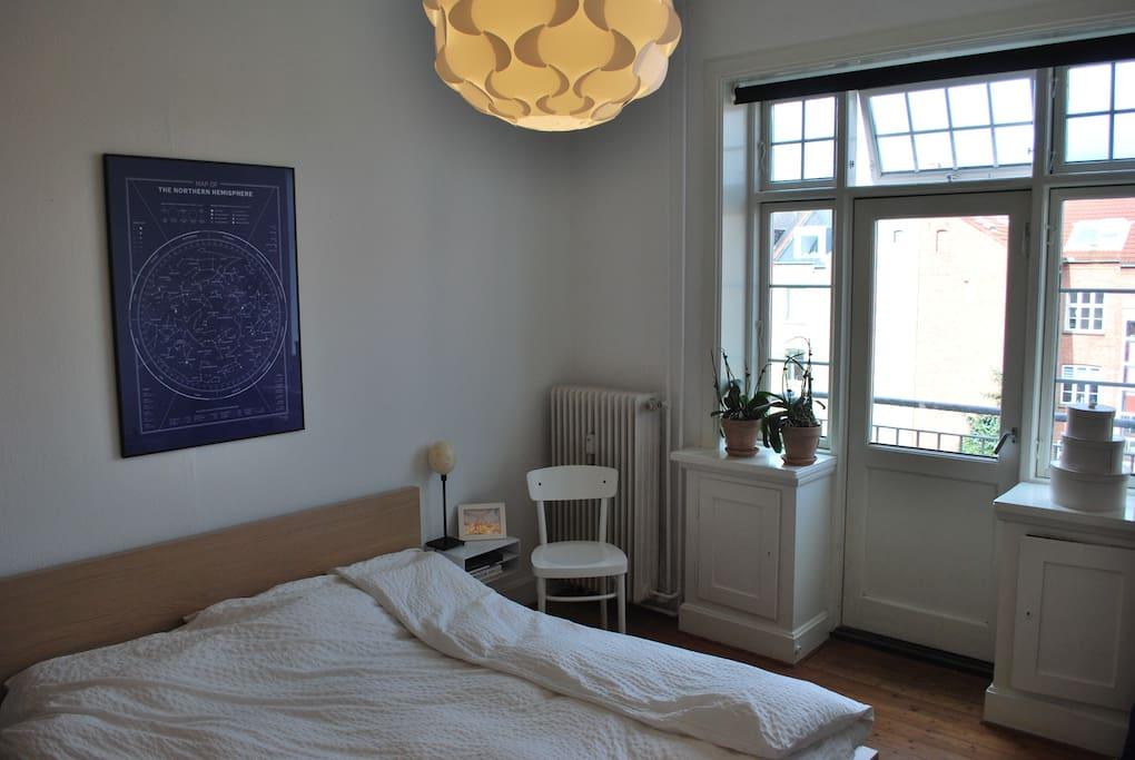 Lyst værelse med altan   apartments for rent in odense