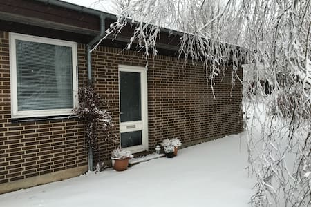 Cosy 70'th Family House - Sabro