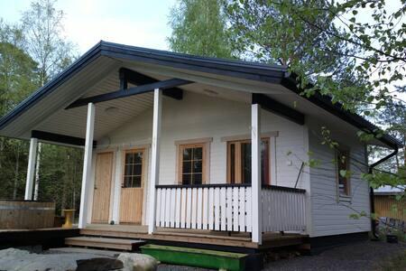 Cottage with Sauna - Mökki saunalla - House