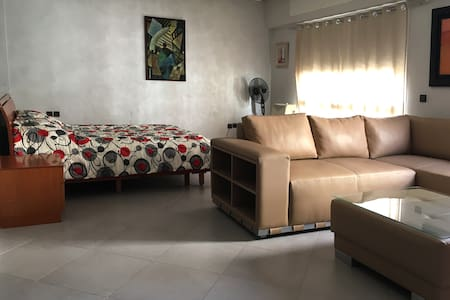 Bright apartment with office close to the beach - Byt