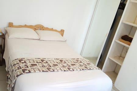 Private bedroom, beach 10 min walk - Playa del Carmen