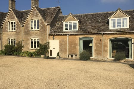 Beautiful house in great location - Gloucestershire