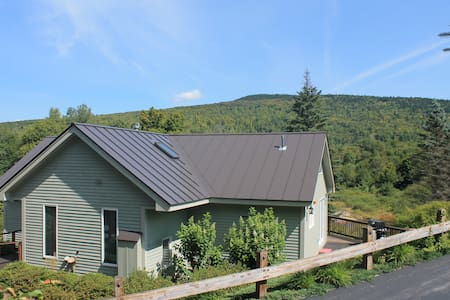 Slopeside Bretton Woods Retreat by the River - Carroll - House