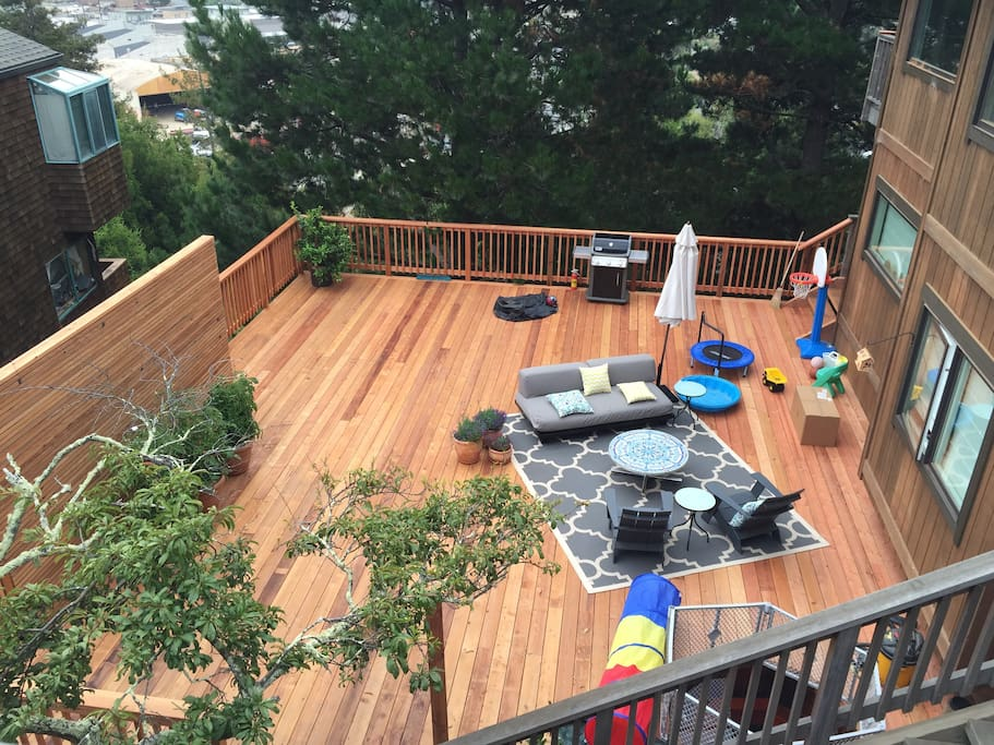 Huge deck with ofuro-style hot tub.