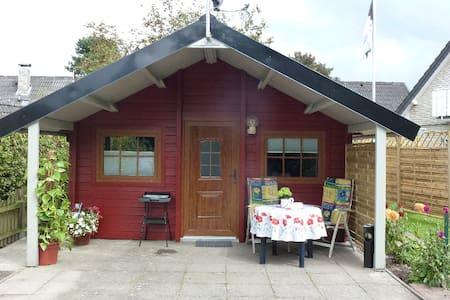 """""""Haus Anka"""" für Feriengäste und Monteure am Alfsee - Mökki"""