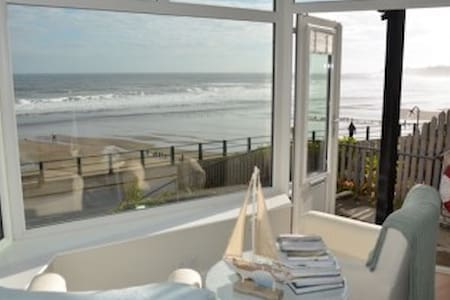 Seafront apartment in Sandsend with stunning views - Sandsend
