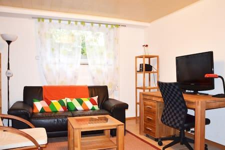 2-Zimmerwohnung, komplett ausgestattet - Wölfersheim - Lejlighed
