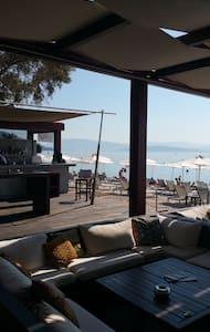 BESSIE'S SEASIDE APARTMENT in CORFU - Korfu