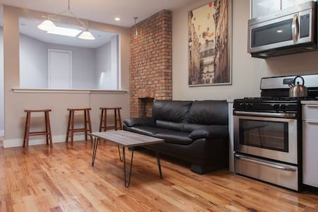 Beautiful Historic Brooklyn! - Brooklyn - Apartment
