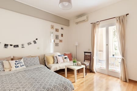 Central, cosy apartment in safe area 3' from metro - Athens - Apartment