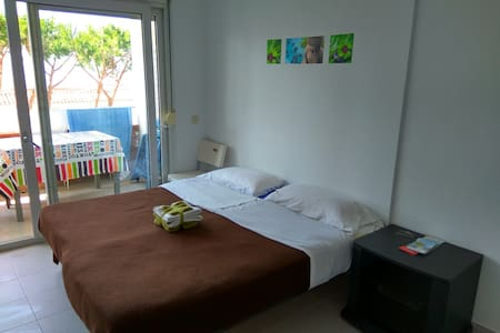 Studio with a nice pool and 5 min. from the beach - Lloret de Mar - Apartment
