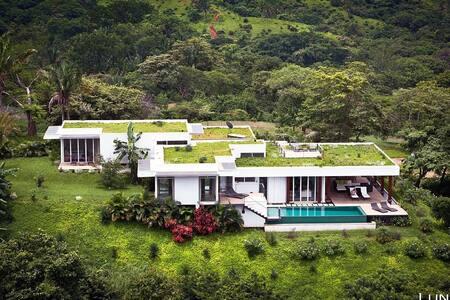 True Luxury! Ocean Views & Full Concierge Service! - Villa