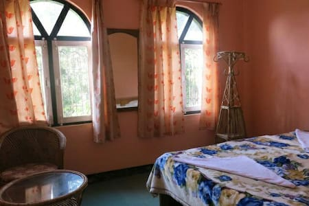 Innate Pension- Dhulikhel - Single - Bed & Breakfast
