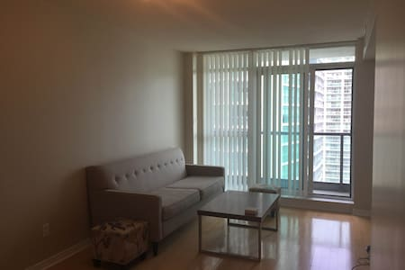 Beautiful apartment in the Yonge-Sheppard area! - Toronto - Wohnung