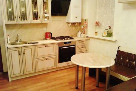 Уютный дом-таунхаус - Orenburg