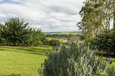 Byron Hinterland Views -The cottage - Clunes - Hus