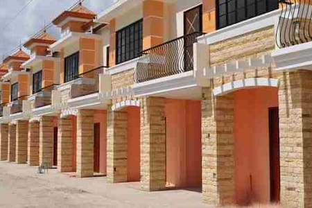 2BR, 2CR Fully Furnished house - Townhouse