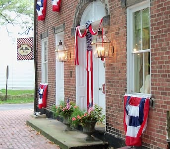 Spread Eagle Tavern & Inn - Bed & Breakfast