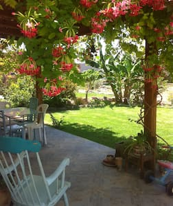 sweet familyhouse 10 min from the beach - Casa