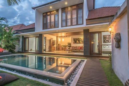 Cozy 3 bd villa in Seminyak