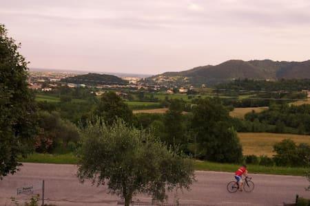 Casa con vista panoramica immersa nel verde - Monte di Malo