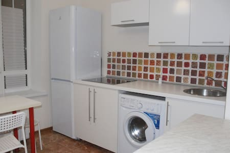 Светлая квартира в тихом районе - Apartment