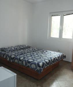 """Комната для двоих на вилле """"Аллые Паруса"""" 10 - Casa de camp"""