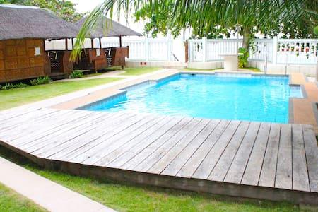 J&P family Beach house Room 5 - Dauin
