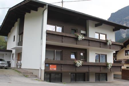 Komfort Apartment Tschirgant | Haus Alpengruss - Byt