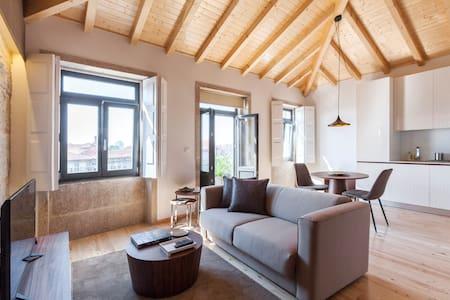 """BO - Sá de Noronha With Balcony """"4 Back"""" - Porto - Apartment"""