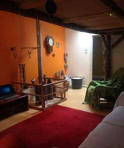 Quirky-off the beaten track, lovely loft appart. - Loft-asunto