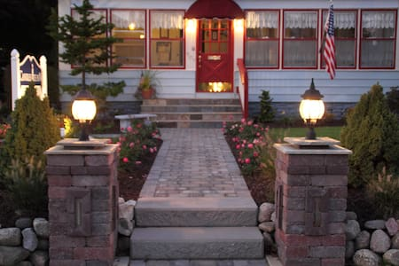 Candlelite Inn Bed & Breakfast - Ludington