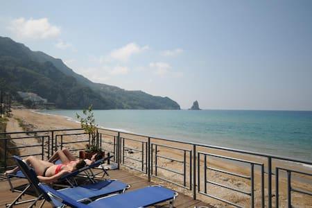 Seaview Room,free breakfast&pick up - Bed & Breakfast