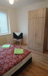 Trojizbový byt - Wohnung