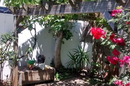 Caserío con terraza y jardin bien situado - House