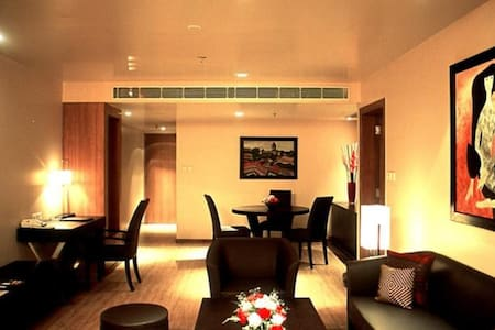 Royal 1 Bed Saket Suites - New Delhi - Huoneisto