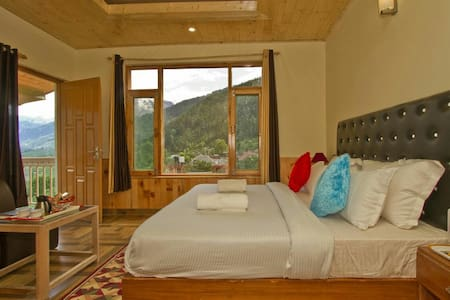BOOK COTTAGES ROOM IN MANALI - Bed & Breakfast